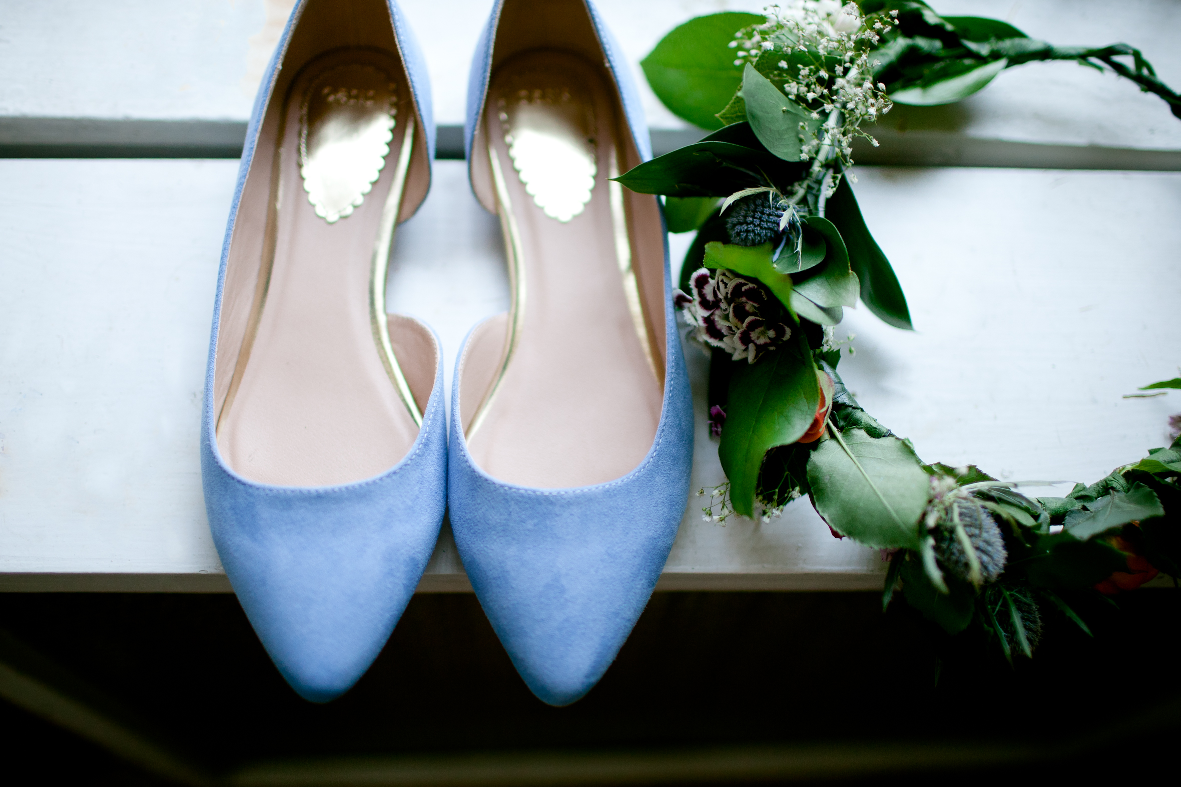 Blue wedding shoes and floral crown