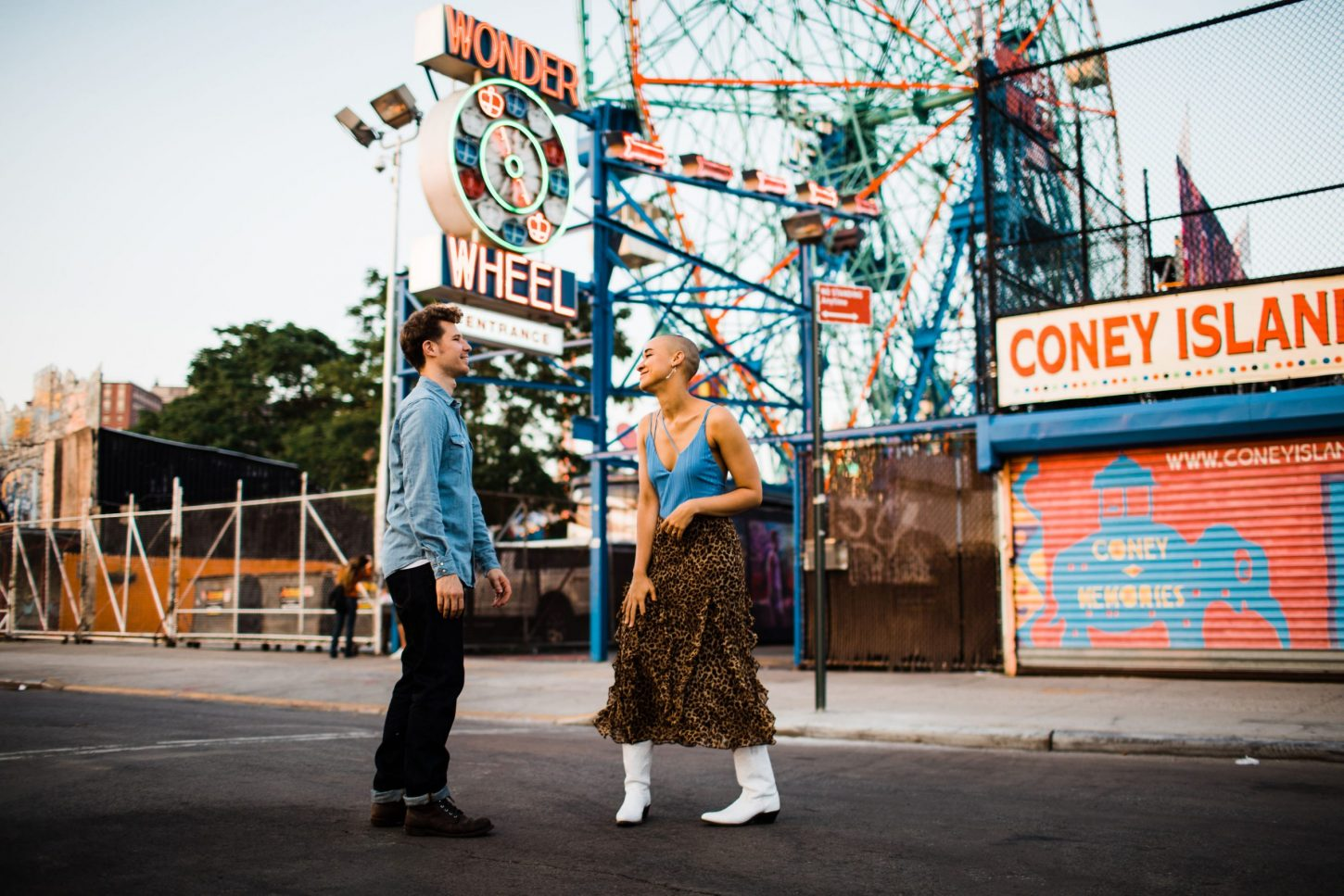couple at coney island engagement session